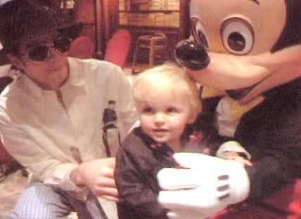 Prince Jackson and his daddy Michael Jackson<3