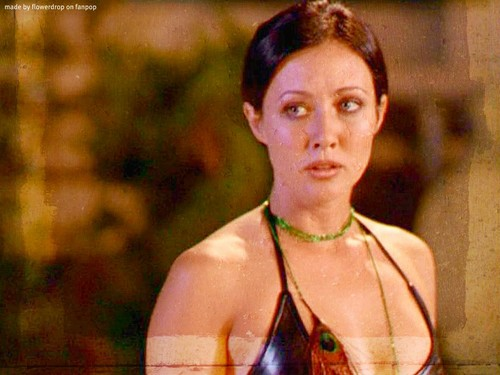 Prue Halliwell wallpaper probably containing a bikini titled Prue Halliwell Wallpaper