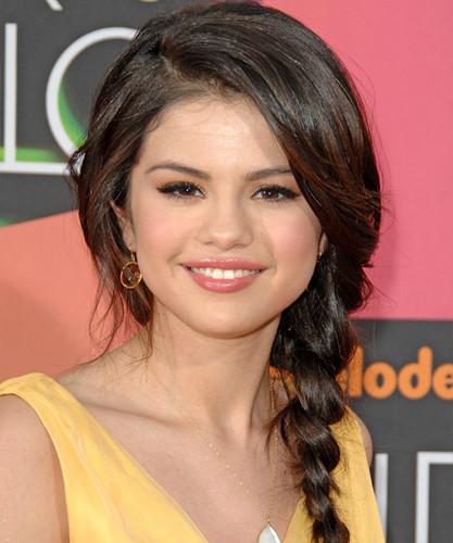 Selena braid
