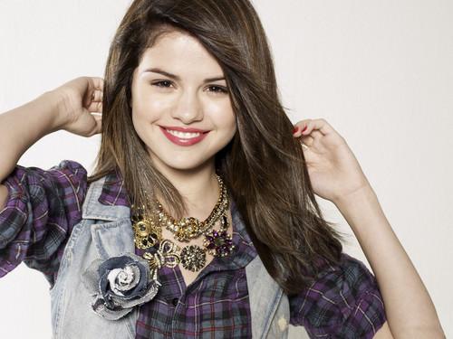 Selena's Wallpaper. ♥