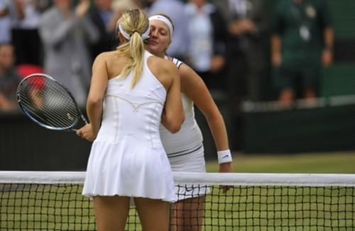 Sharapova kiss Kvitova