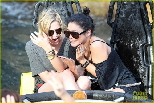 Vanessa Hudgens & Ashley Benson: Soaking Wet at Busch Gardens!