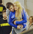 When will be the birth ?  - shakira-and-gerard-pique photo