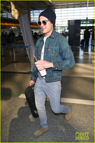 Zac LAX Airport