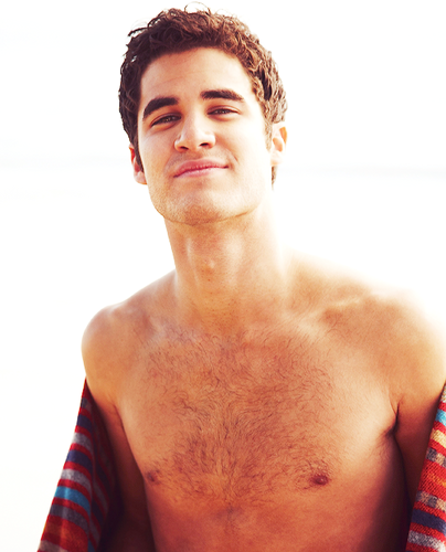 Darren Criss kertas dinding containing a hunk entitled darren
