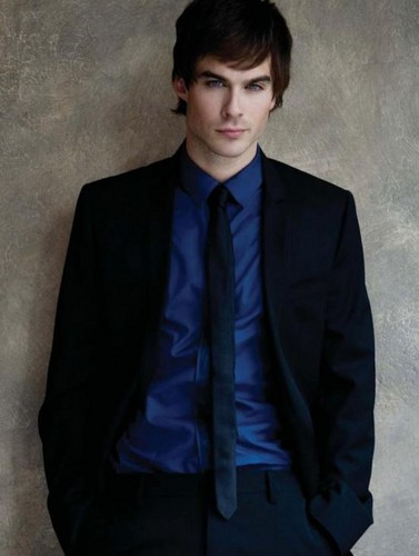 Damon Salvatore wallpaper containing a business suit, a suit, and a single breasted suit entitled vampire diaries
