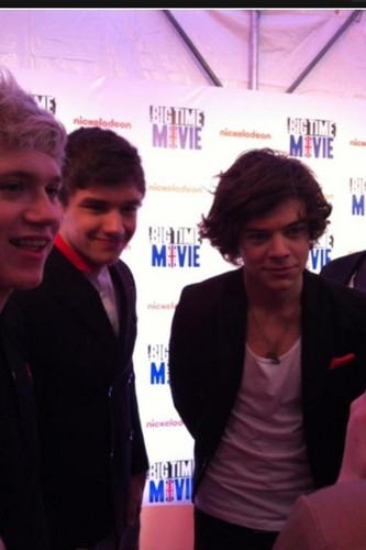 1D on BTR jeruk, orange carpet movie premiere:) Today