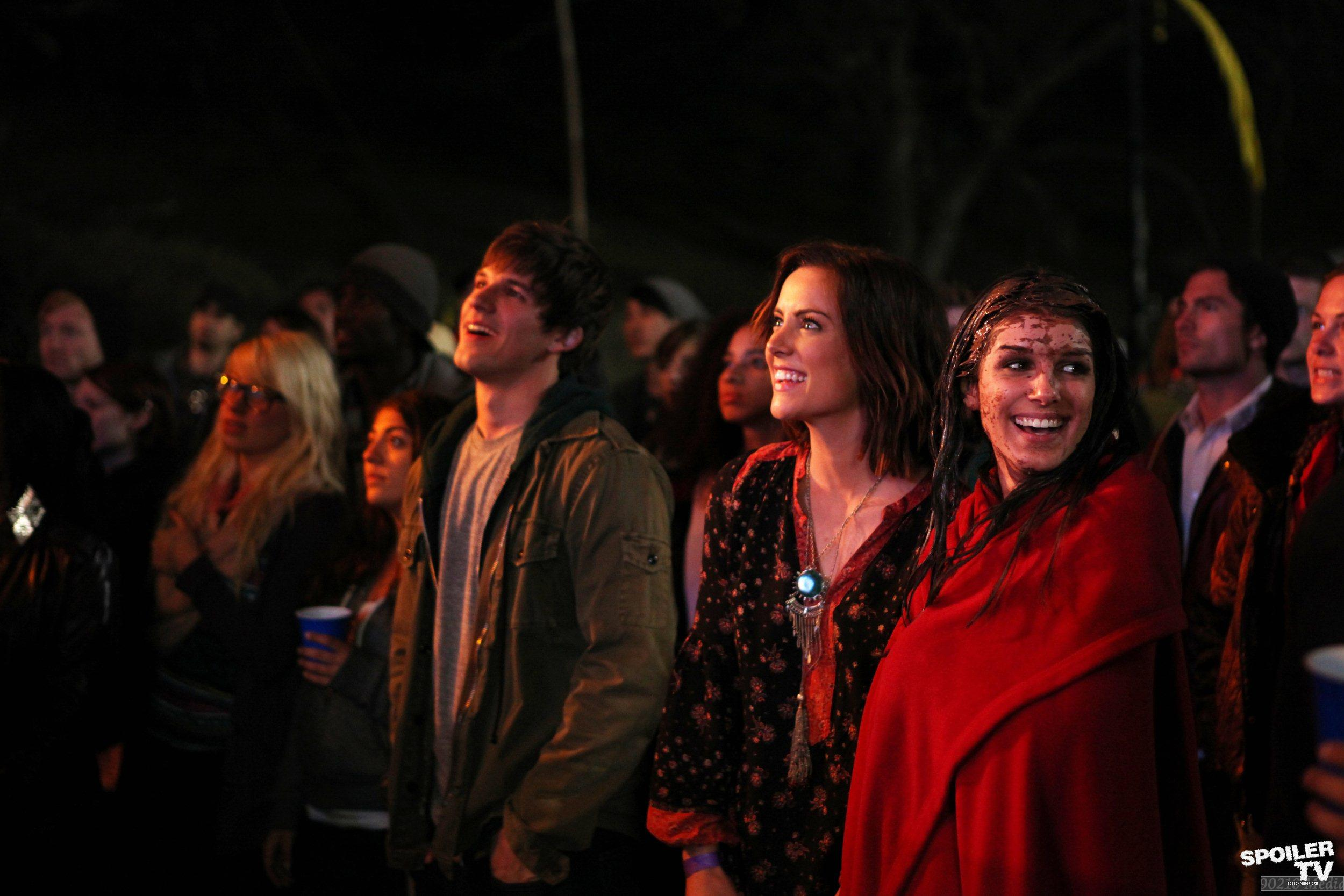 90210 - Episode 4.18 - Blood Is Thicker Than Mud - Promotional Photos
