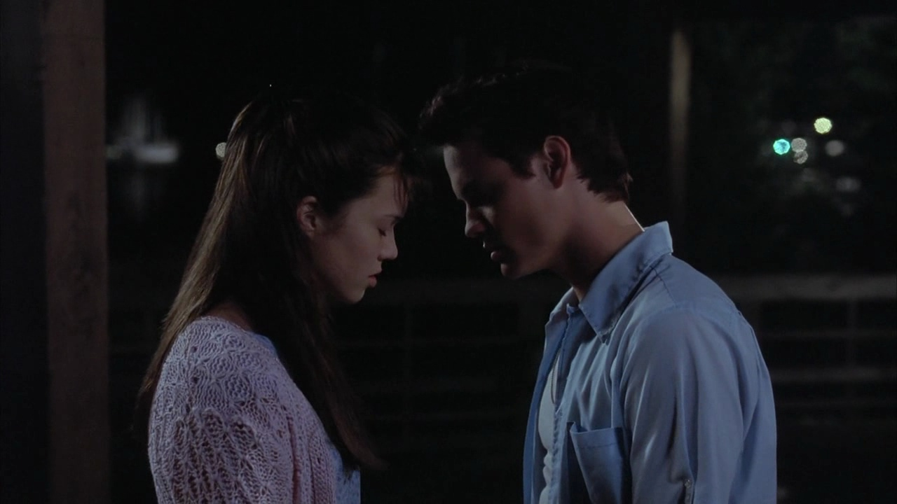 movie analysis a walk to remember Find out everything you need to know about the film from the world's biggest movie destination read the empire review of a walk to remember find out everything you need to know about the film.