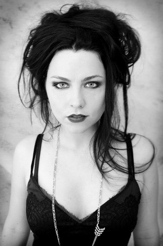 Evanescence wallpaper probably containing attractiveness and a portrait titled Amy Lee