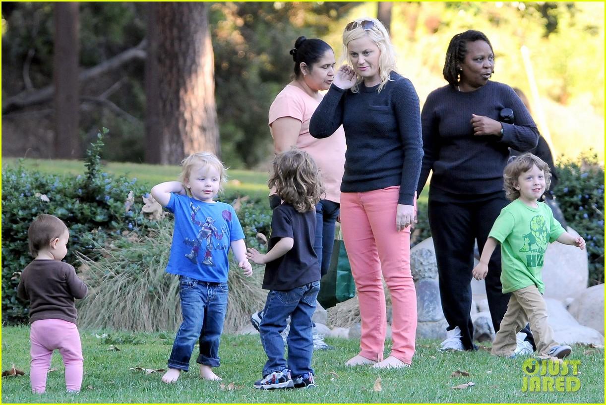 Amy Poehler & Will Arnett: Park Playtime with Archie & Abel