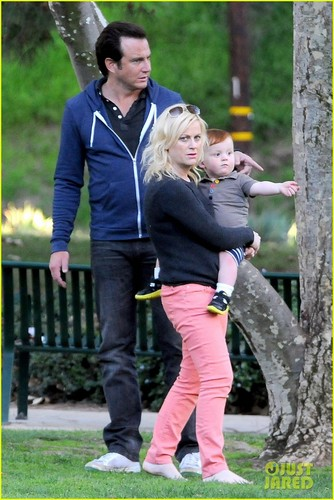 Amy Poehler & Will Arnett: Park Playtime with Archie & Abel