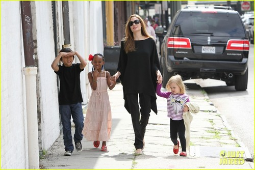Angelina Jolie: New Orleans with the Family - angelina-jolie Photo