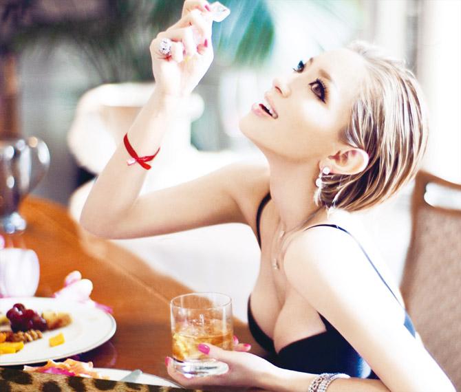 Ayumi Hamasaki's New Album 「Party Queen」