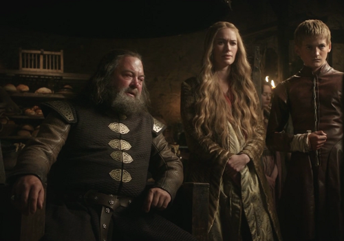 House Lannister wolpeyper possibly with a balahibo amerikana and a konsiyerto titled Cersei with Joffrey and Robert