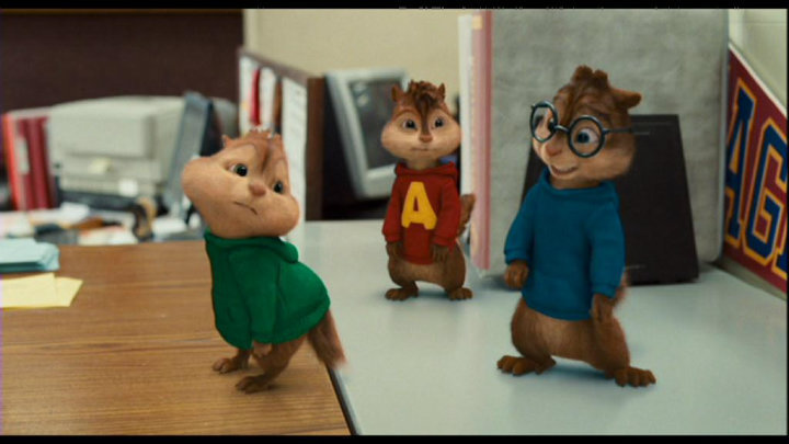 Does This Make Theodore's Butt Look Smaller? - alvin-and-the-chipmunks-2