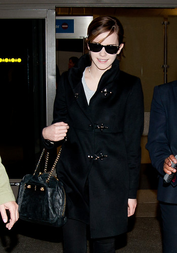 Emma at LAX Airport - March 8, 2012 - HQ