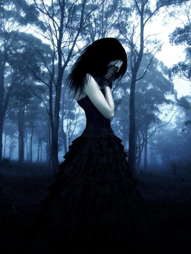 gothique sad girl