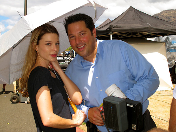 Greg Grunberg and Lauren German on set of Hawaii Five-0