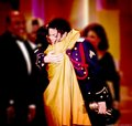 I dream about this kind of hug...♥ - michael-jackson photo