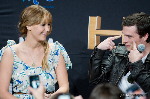Jen and Josh.  - jennifer-lawrence-and-josh-hutcherson Photo