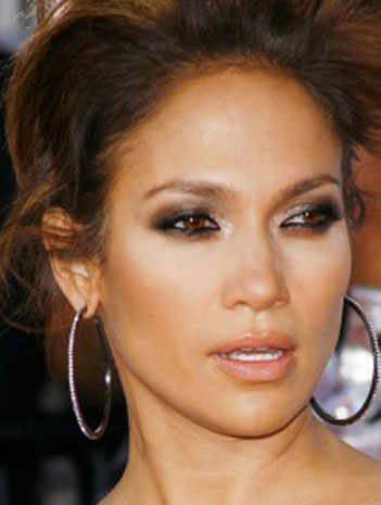 makeup wallpaper containing a portrait called Jennifer Lopez  smokey eye makeup