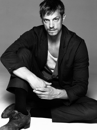 Joel Kinnaman kertas dinding containing a business suit called Joel Kinnaman - Café Magazine - 2010