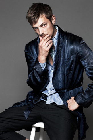 Joel Kinnaman वॉलपेपर containing a business suit and a well dressed person titled Joel Kinnaman - Café Magazine - 2010