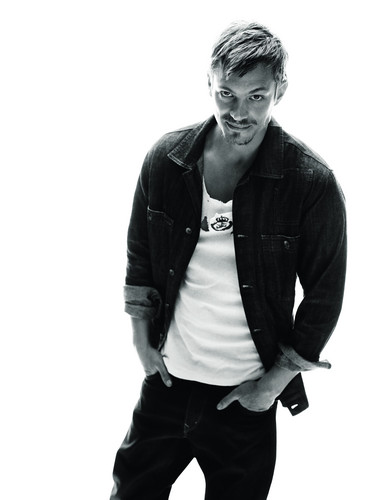 Joel Kinnaman achtergrond possibly containing a well dressed person, an outerwear, and a pantleg entitled Joel Kinnaman - Café Magazine - 2010
