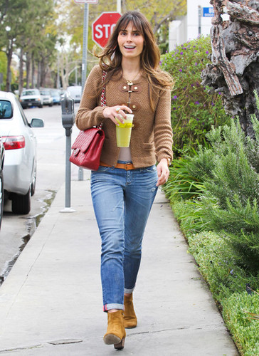 Jordana - Grabs Lunch At Lemonade, February 29, 2012