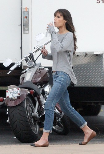 Jordana - On the set around Dallas, November 4, 2011