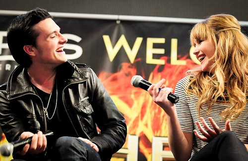 Josh and Jen at the Mall Tour in Minneapolis