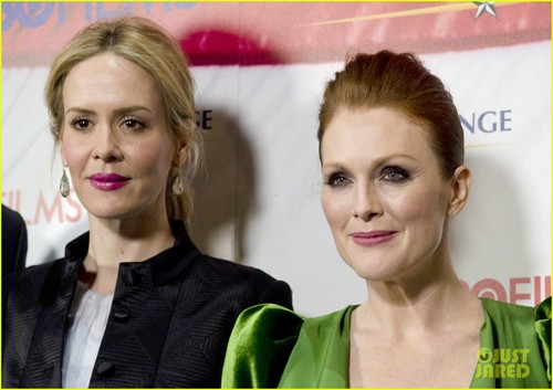 Julianne Moore wallpaper containing a portrait called Julianne Moore: Green for 'Game Change' Washington Premiere