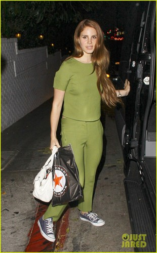 Lana Del Rey: Green Gal