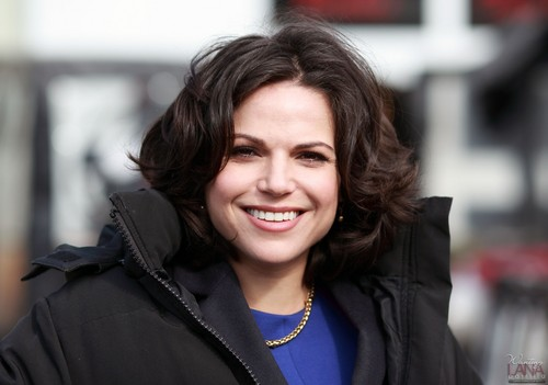 Lana Parrilla wallpaper possibly containing a business suit, a well dressed person, and an overgarment titled Lana Parrilla On Set - Steveston - March, 05