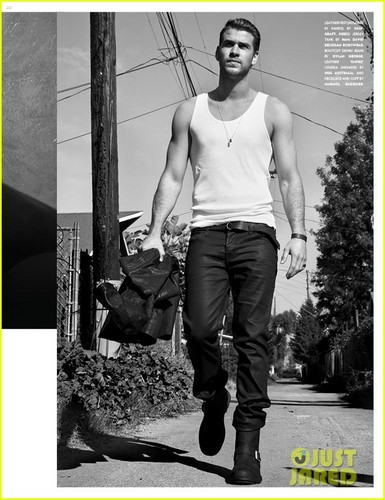 Liam Hemsworth Covers 'Flaunt' Magazine