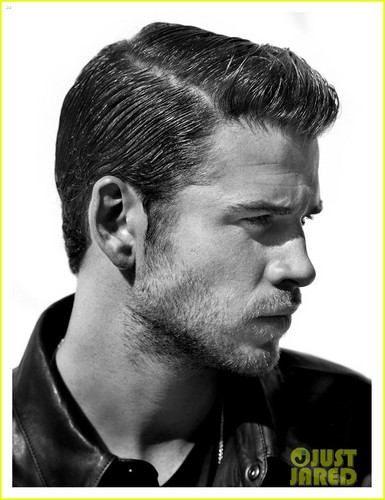 Liam Hemsworth Covers 'Flaunt' Magazine
