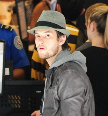 MARCH 4, 2012 | DEPARTING FROM LAX AIRPORT - ben-barnes Photo
