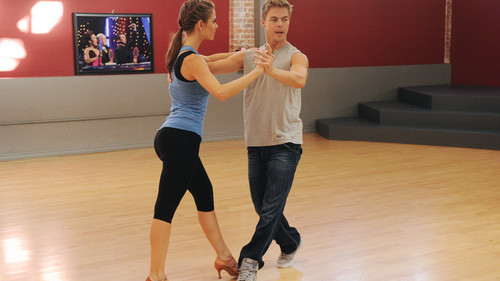 Maria Menounos & Derek Hough - dancing-with-the-stars Photo