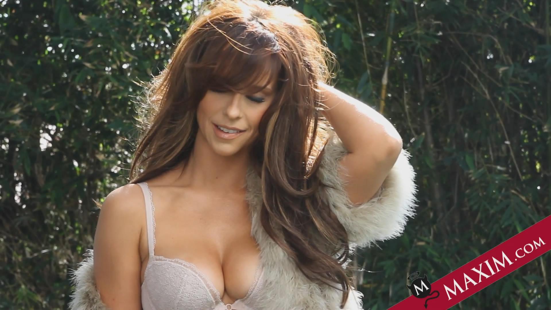 Jennifer Love Hewitt Tube Solider - Películas Porno