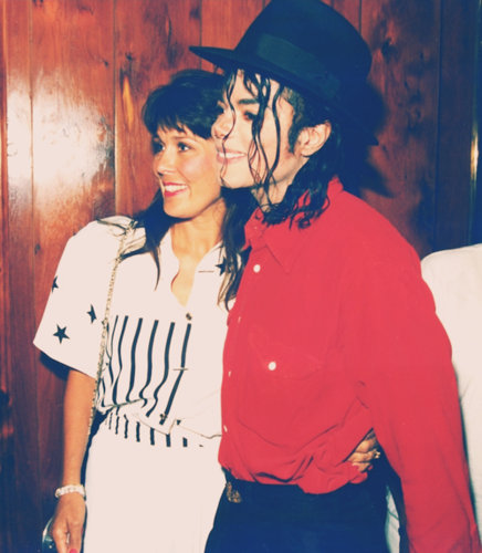Michael Jackson with his 팬