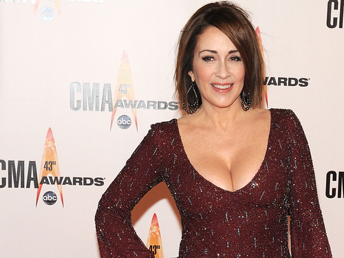 Patricia Heaton Hintergrund probably containing a cocktail dress, a chemise, and a bluse called Patricia Heaton