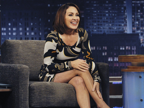 Patricia Heaton karatasi la kupamba ukuta possibly with bare legs, hosiery, and a hip boot called Patricia Heaton