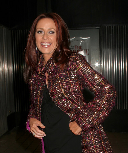 Patricia Heaton karatasi la kupamba ukuta probably with a well dressed person entitled Patricia Heaton