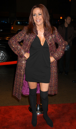 Патриция Хитон Обои possibly with a box coat, a hip boot, and an overgarment called Patricia Heaton