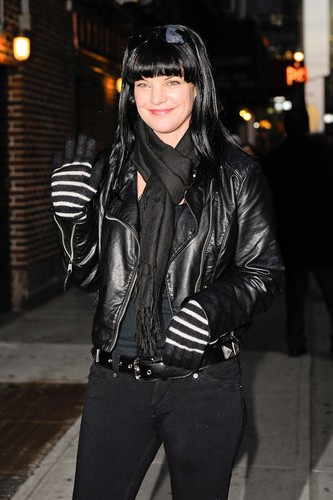 "Pauley Perrette arrives at ""Late tampil With David Letterman"" on February 28."