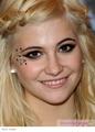Pixie Lott's makeup