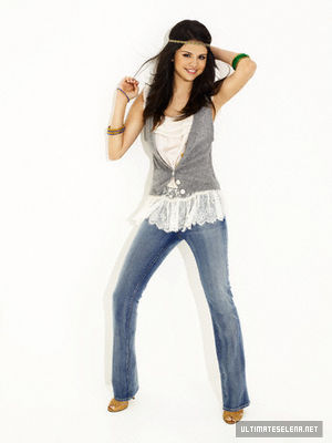 Pretty Selena Pics