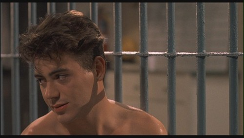 Роберт Дауни-младший Обои possibly with a holding cell, a penal institution, and a cell called Robert Downey Jr. as Leo Wiggins in 'Johnny Be Good'