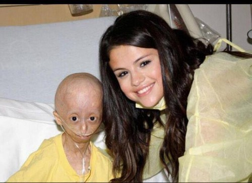 Selena Gomez with Hana (Hana passed away today) :'(